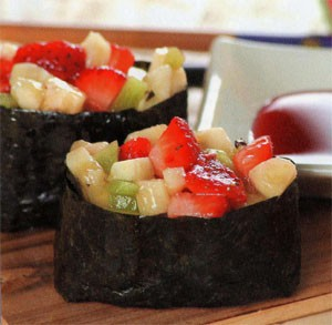 Гунканмаки с салатом