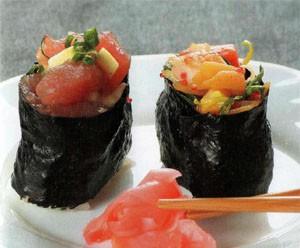 Гунканы суши с креветками и авокадо