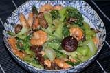 Вкуснейший салат из капусты пак-чой с грибами и креветками
